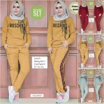 Baju Hijab Modis Love Moschino